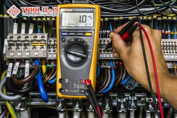 sửa chữa hệ thống điện